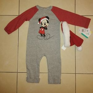 Mickey Christmas outfit